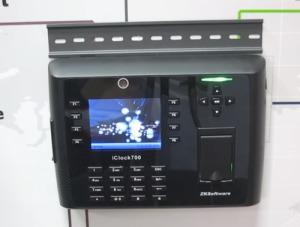Биометрическая система учета рабочего времени фото