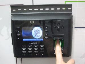 Биометрическая система учета рабочего времени - съем отпечатка пальца